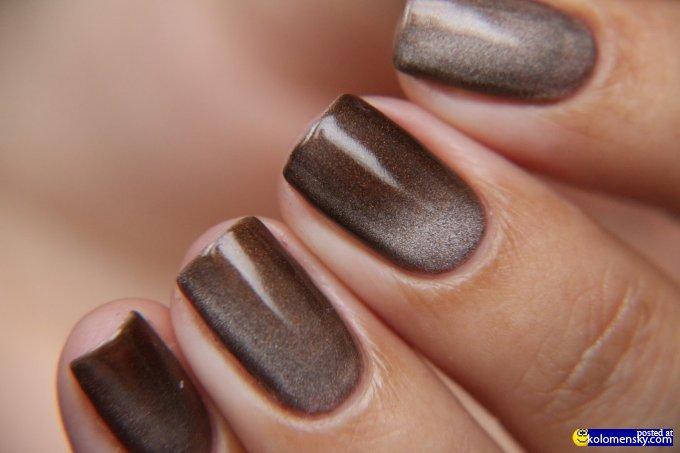 Дизайн ногтей кошачий глаз коричневый фото